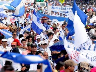 """""""La Democracia"""" una escena de la oposicion, Gobierno y losciudadanos"""
