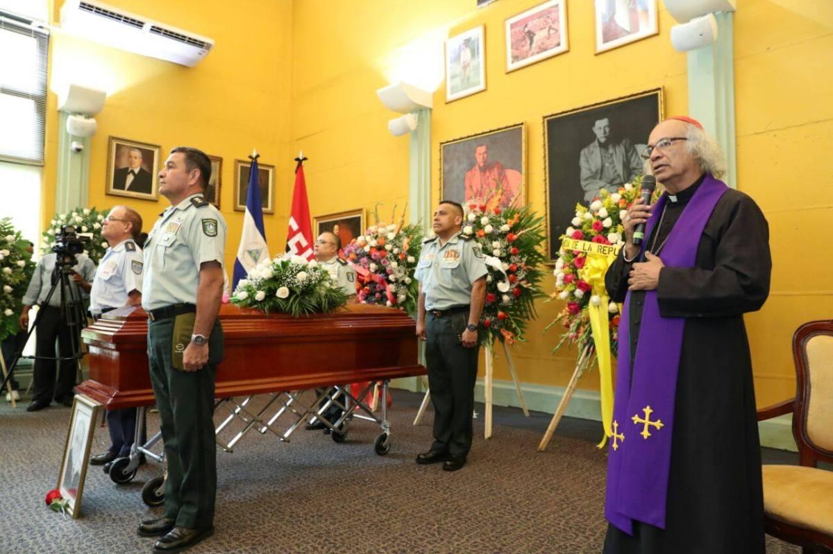 Despiden con honores al Padre Miguel D´EscotoBrockmann