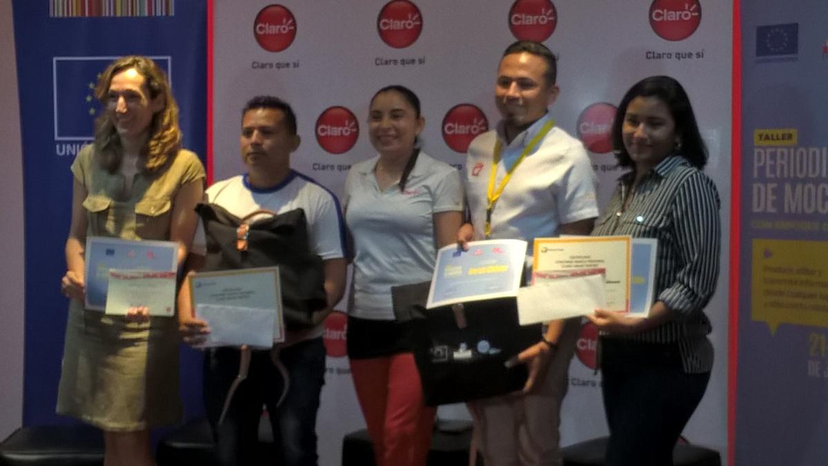 Union Europea y Smart Report  entregaron premios a ganadores delconcurso