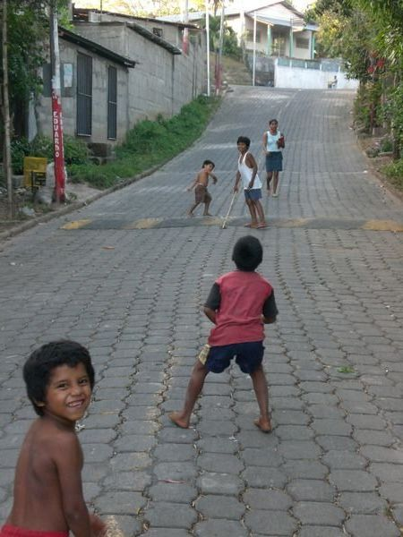 Nicaragua: ¿Béisbol ofútbol?