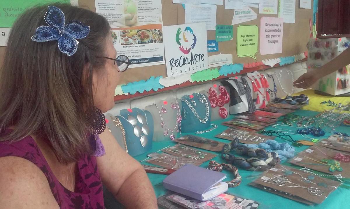 UNAN-Managua realiza feria de Mujeres Innovadoras yEmprendedoras