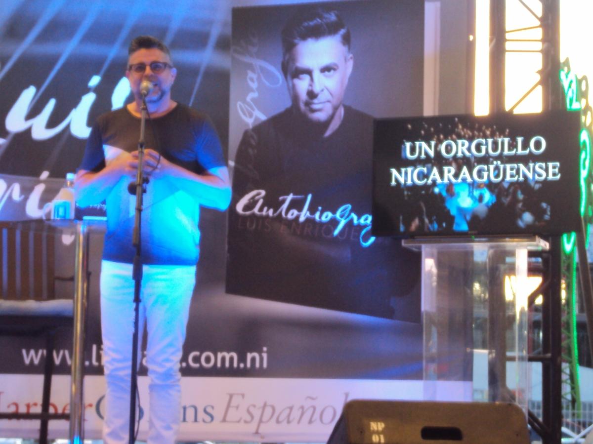 """Luis Enrique presenta su """"Autobiografía"""""""