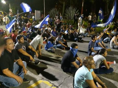 vigilia-en-respaldo-a-estudiantes-de-unan.jpg