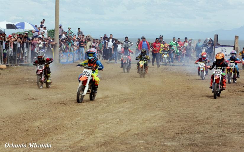 Inauguran pista extrema en Paseo Xolotlán (FotoGalería)