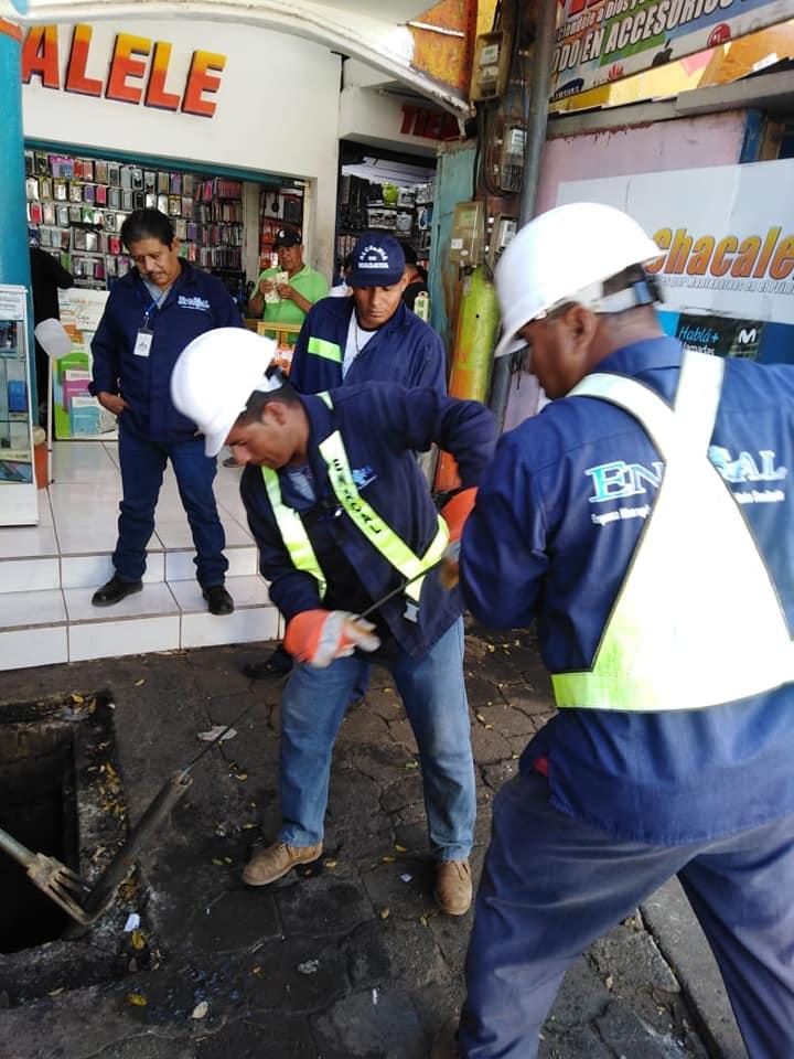 En Masaya Alcaldía y Empresa Nicaraguense de Acueductos y Alcantarillados sanitarios trabajan en MercadoMunicipal